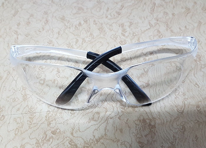 CLEAR SAFTY GLASSES